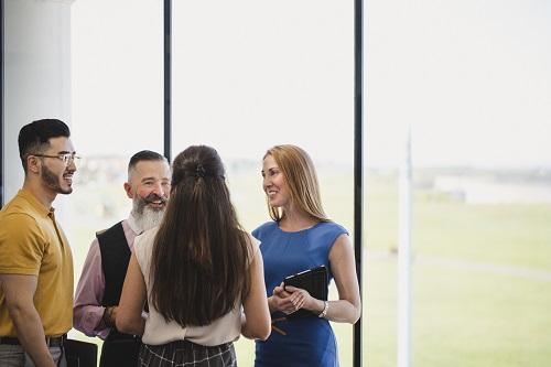 Vernetzen Sie sich mit Praktiker*innen aus den Berufsbereichen und lernen Sie weitere Unternehmen kennen.